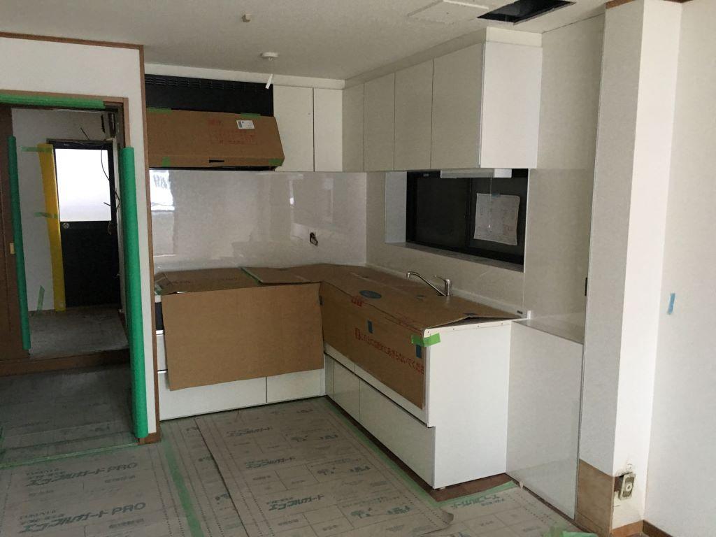 天王寺区中古戸建のリフォーム キッチン取付工事